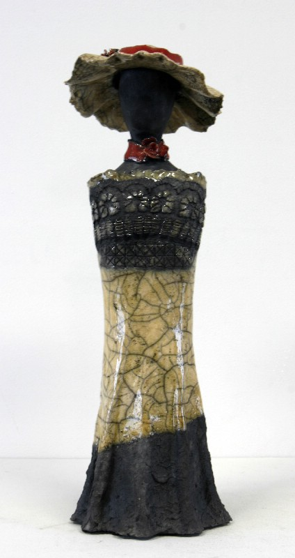 Kvinde - keramisk skulptur