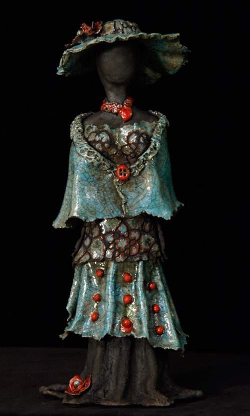 Kvindeskulptur - Blå med røde prikker
