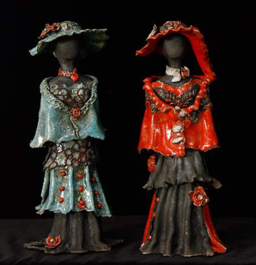 Kvindeskulptur - blå og rød